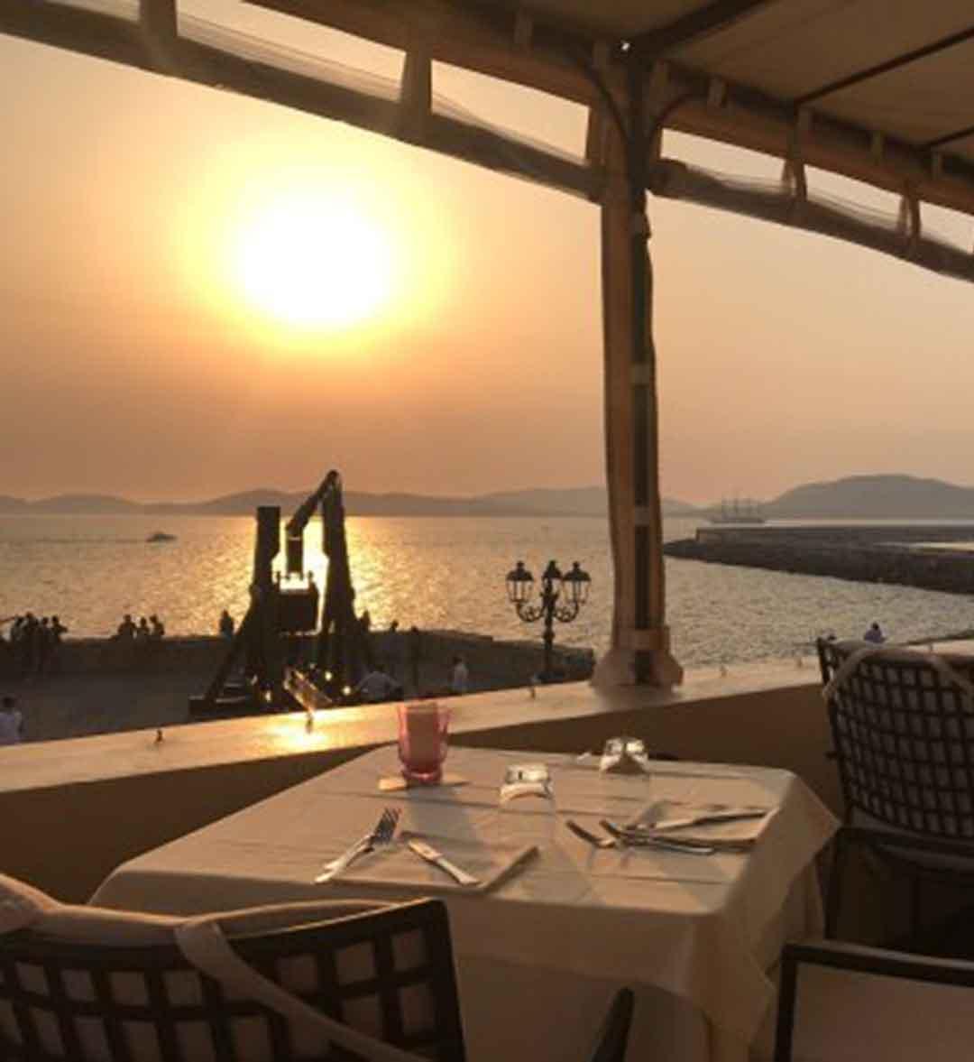 Vista del tramonto sul Golfo di Alghero dalla terrazza del ristorante